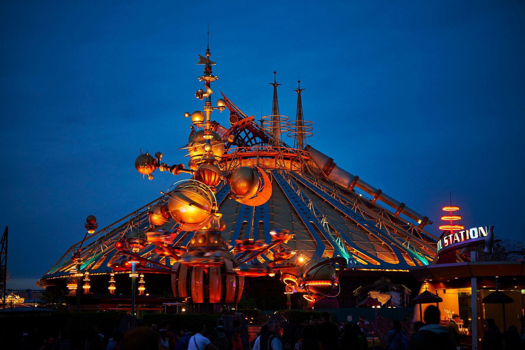 10 curiosità sulla land Discoveryland di Disneyland Paris.