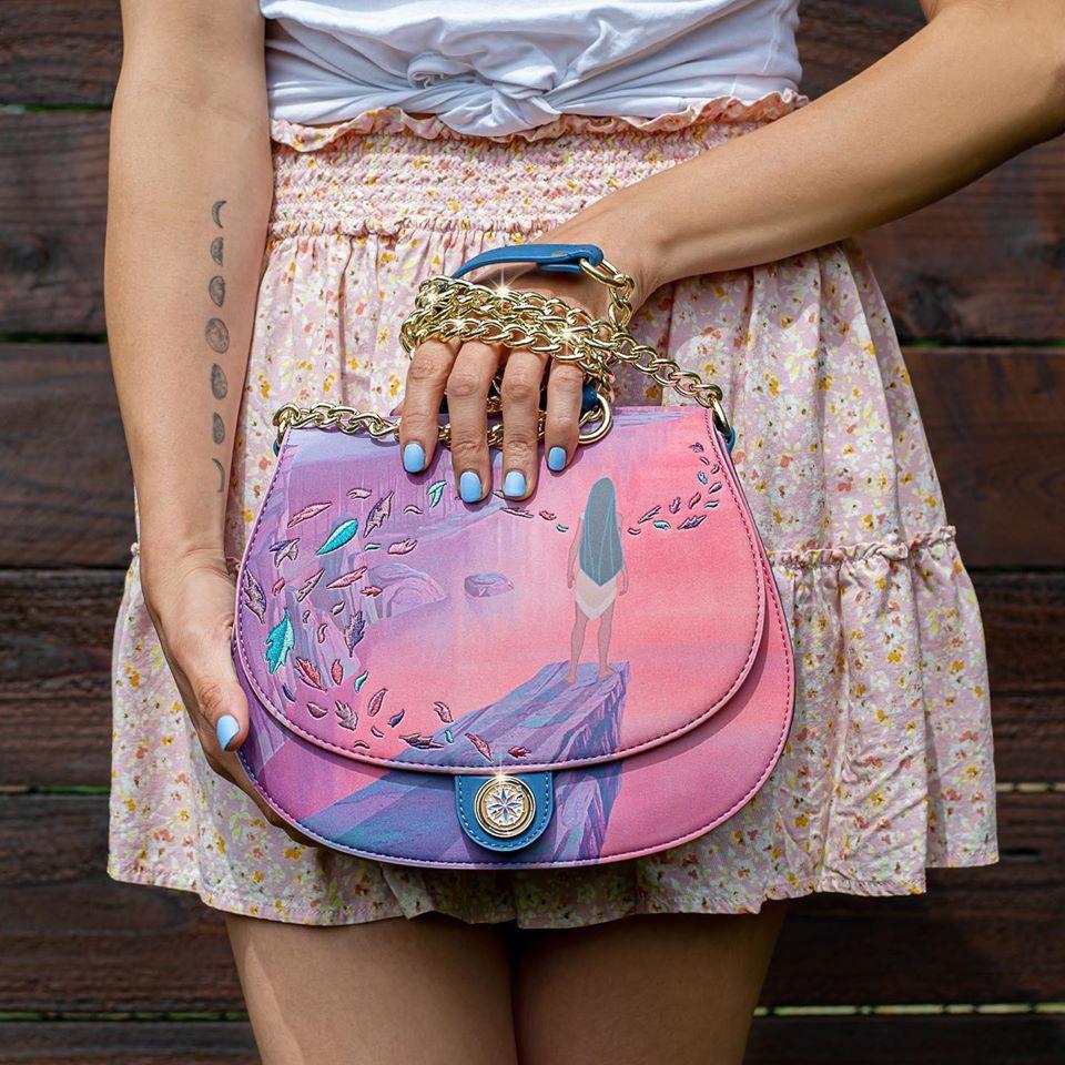 La borsa della nuova Loungefly collezione Pocahontas.