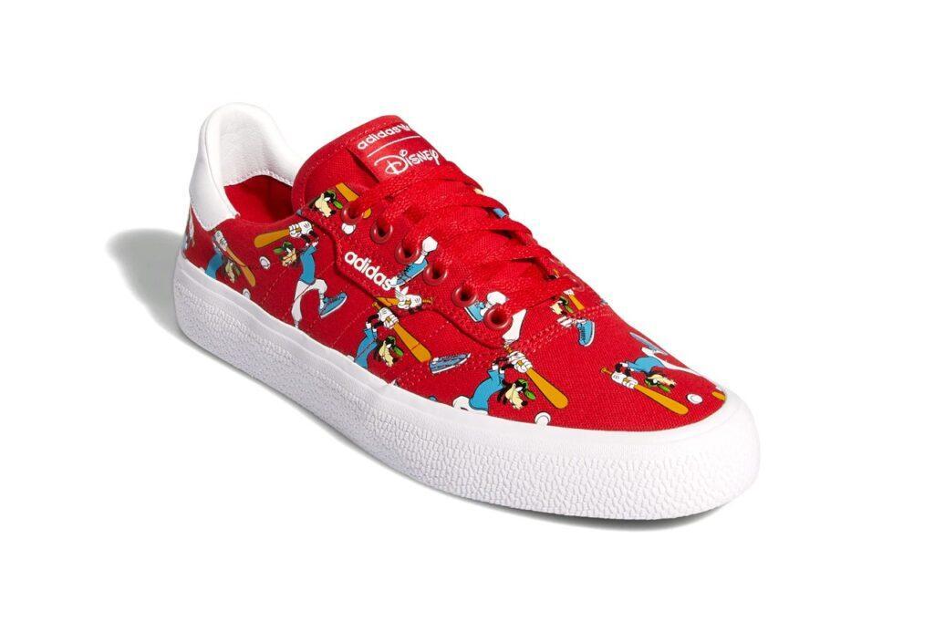 La nuova collezione di scarpe Adidas di Pippo sono dedicate ai suoi corti animati sportivi.