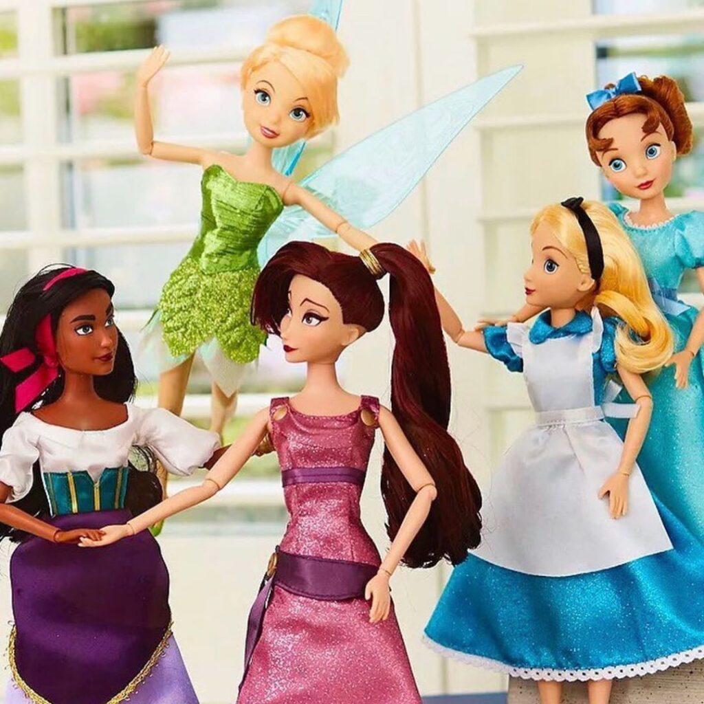 Le nuove bambole Disney classiche che includono le eroine non principesse come Esmeralda o Megara.
