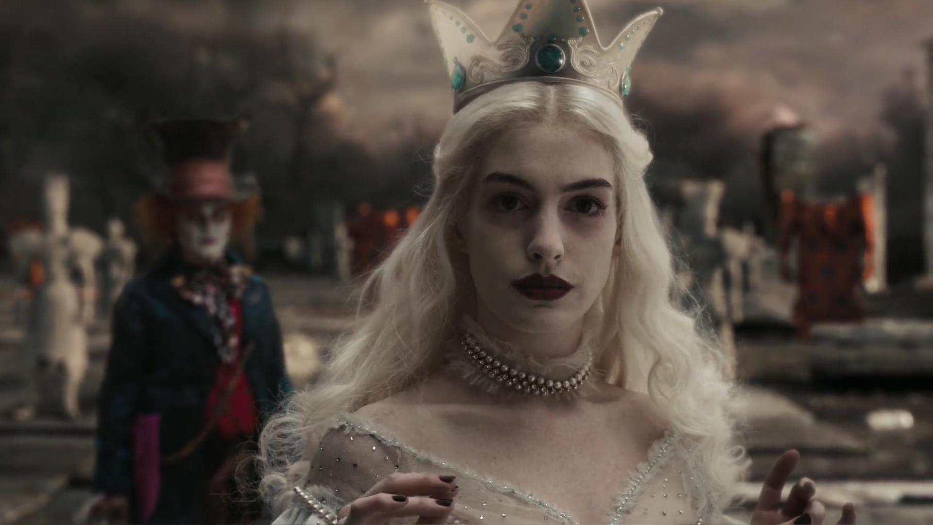 Curiosità su Anne Hathaway Alice in Wonderland Screencaps