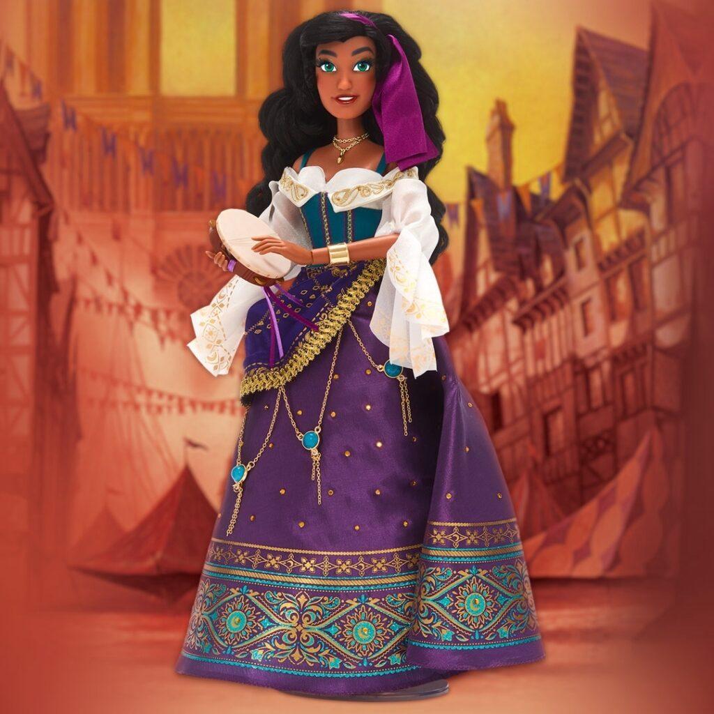 La bambola in edizione limitata di Esmeralda per i 25 anni de Il Gobbo di Notre Dame.